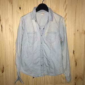 Denim pearl snap button down. Mossimo size M